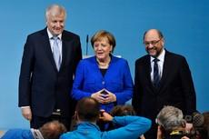 ドイツの大連立は亀裂を取り繕えない