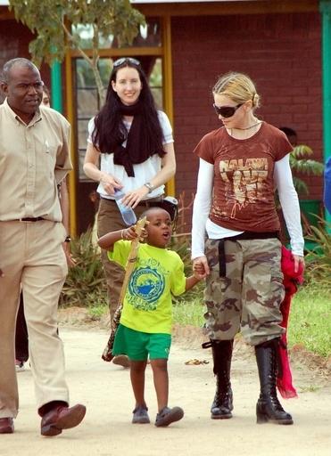 マドンナ養子縁組で注目されるマラウイの孤児問題