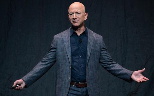 アマゾンのベゾスCEO、1兆円超の新基金創設 気候変動対策で