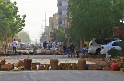 反政府デモのスーダン専門職組合、暫定軍事評議会の選挙プランを拒否 緊張続く