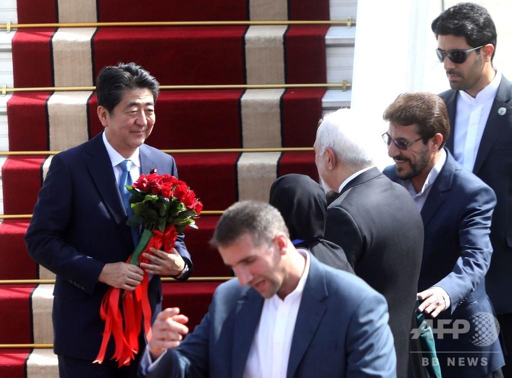 安倍首相がイラン到着、国営テレビ報道