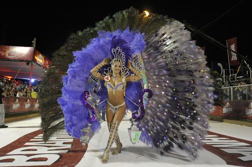 パラグアイ最大のカーニバル、「ジャマーダス」