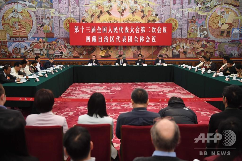 ダライ・ラマへの支持なしとチベット代表 中国全人代で