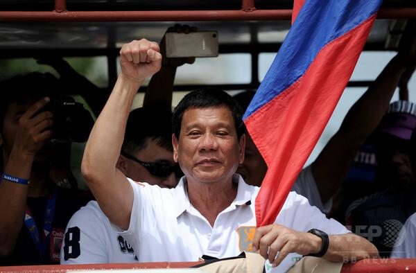 フィリピン大統領選の有力候補、米豪大使に「黙れ」と警告