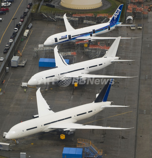 カタール航空なども運航を停止、B787型機