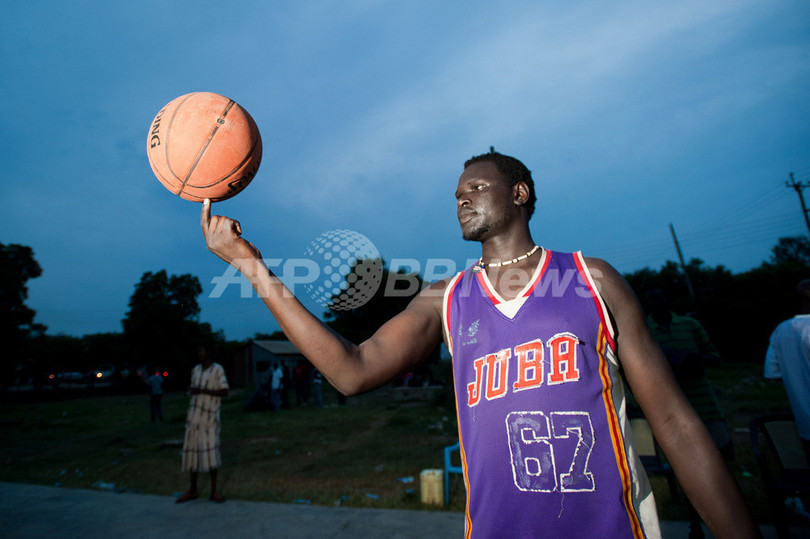 新生「南スーダン」、スポーツに未来を託す多民族国家