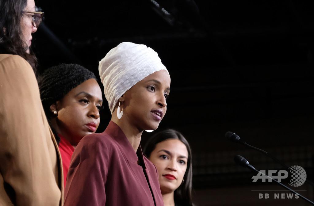 トランプ氏、今度は「嫌なら出ていけ」 非白人系女性議員ら反論、与党からも批判