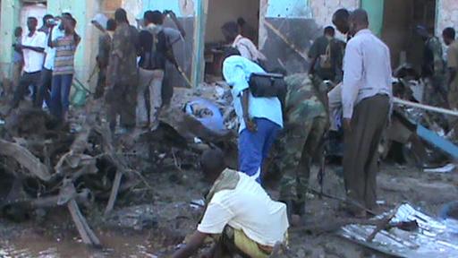 ソマリア南部で2件の爆発、市民30人死亡