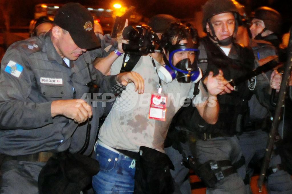 報道関係者への暴力で警察を非難、ブラジル調査報道協会
