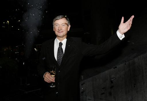 スロベニア大統領選、野党中道左派候補が勝利