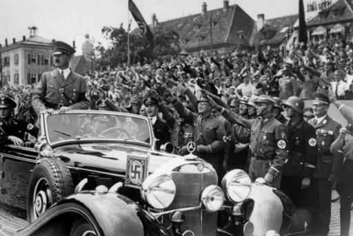 ヒトラーがベンツの値引きを頼んだ手紙、オークションに ドイツ