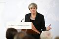 メイ首相、2年の移行期間を提案 英EU離脱