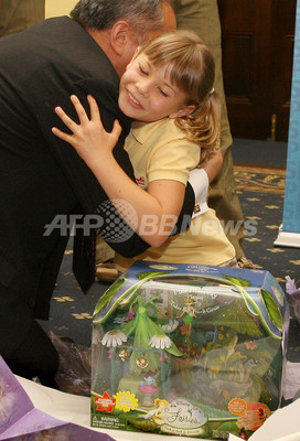 国際ニュース:AFPBB Newsビンディ・アーウィンさんがチャリティイベントに登場 - オーストラリア