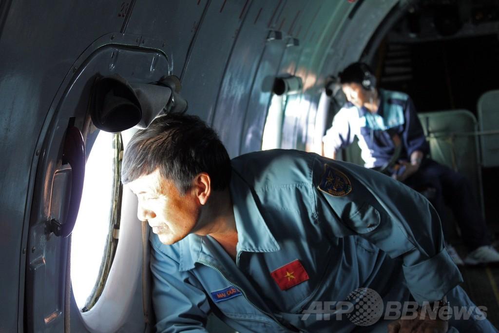 南シナ海に油の帯、マレーシア航空「最悪の事態を恐れている」