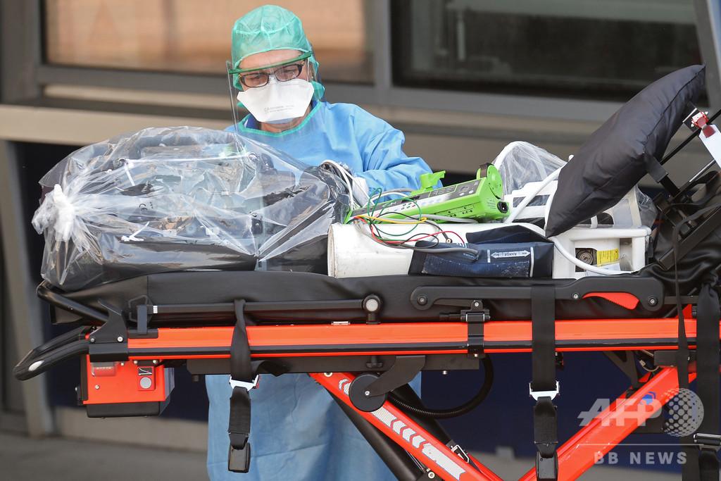 新型コロナと闘う看護師、中傷やマスク盗難の被害に フランス