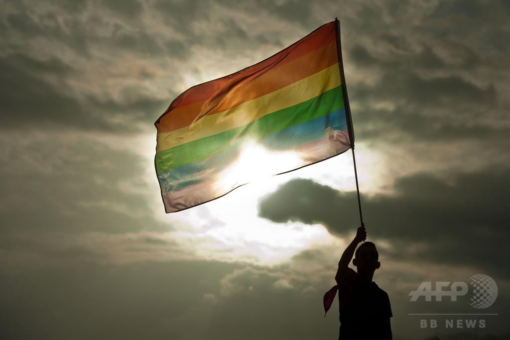 米領グアムが同性婚を解禁、同性カップルの訴訟受け