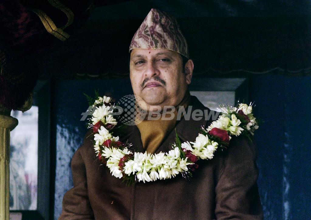 ネパール、王制を廃止 共和制を宣言