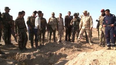 動画:IS、イラクに200超の集団墓地残す 最大1万2千人の遺体