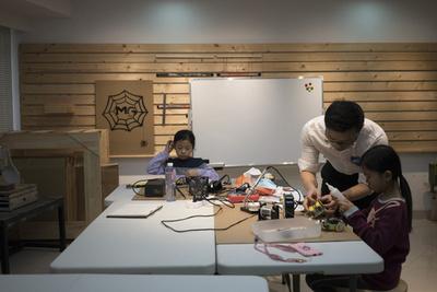 中国、「模倣」文化から「独創」への模索