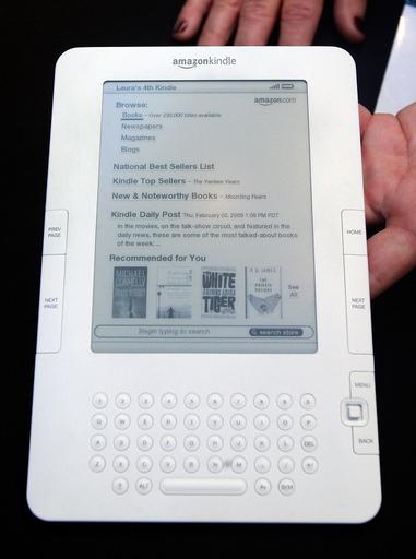 キンドル向け電子書籍販売数、ハードカバー本上回る 米アマゾン