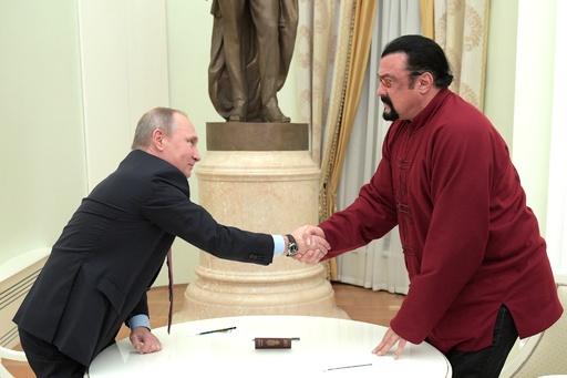 ロシア、S・セガール氏を対米人道特使に任命