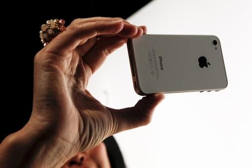 グーグル、モバイル広告の新規定でアップルを批判
