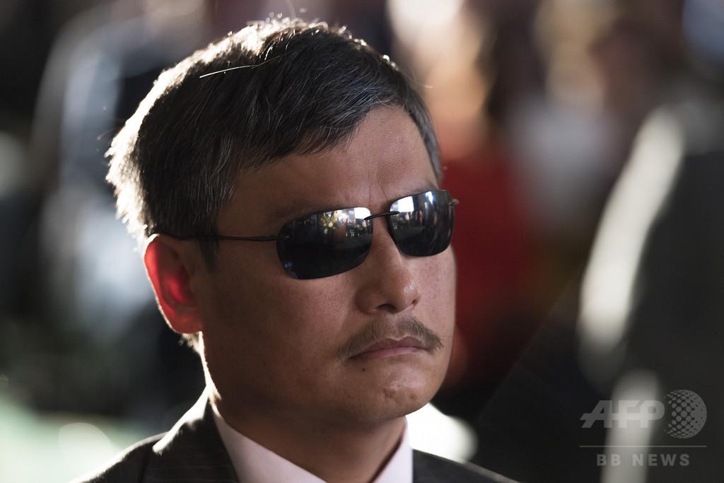 「劉暁波氏は意図的に殺された」 盲目の人権活動家が中国非難