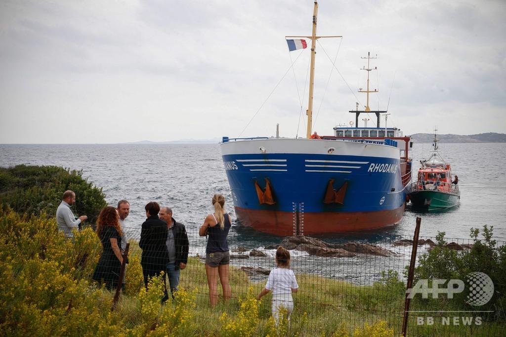 仏コルシカ島沖の海洋保護区で貨物船座礁、重油流出はなし