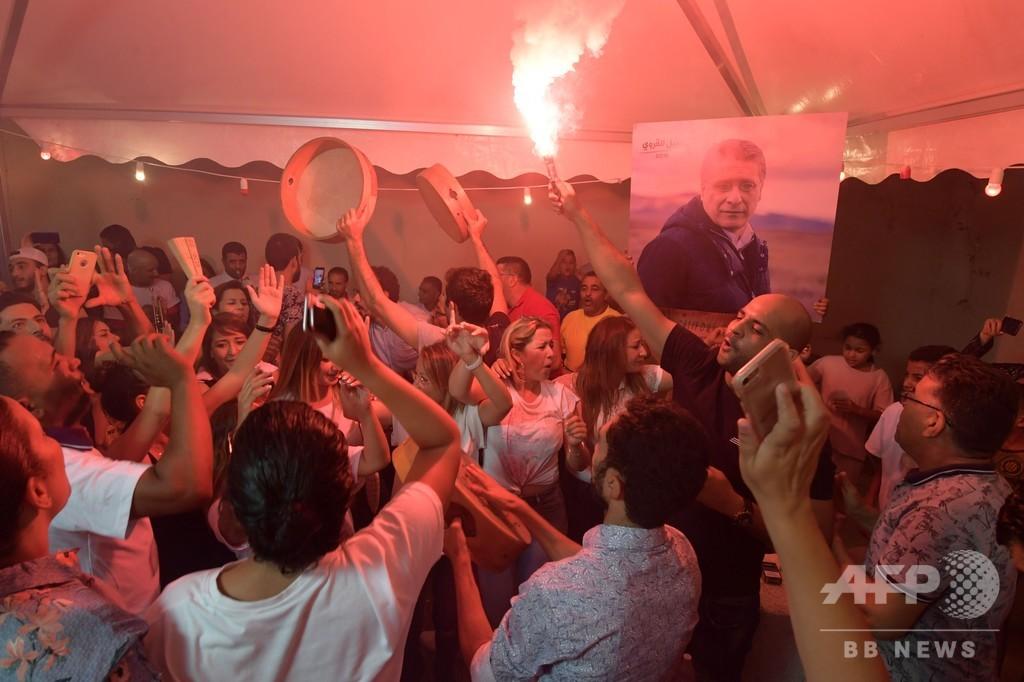チュニジア大統領選、反体制派の2候補が決選投票へ