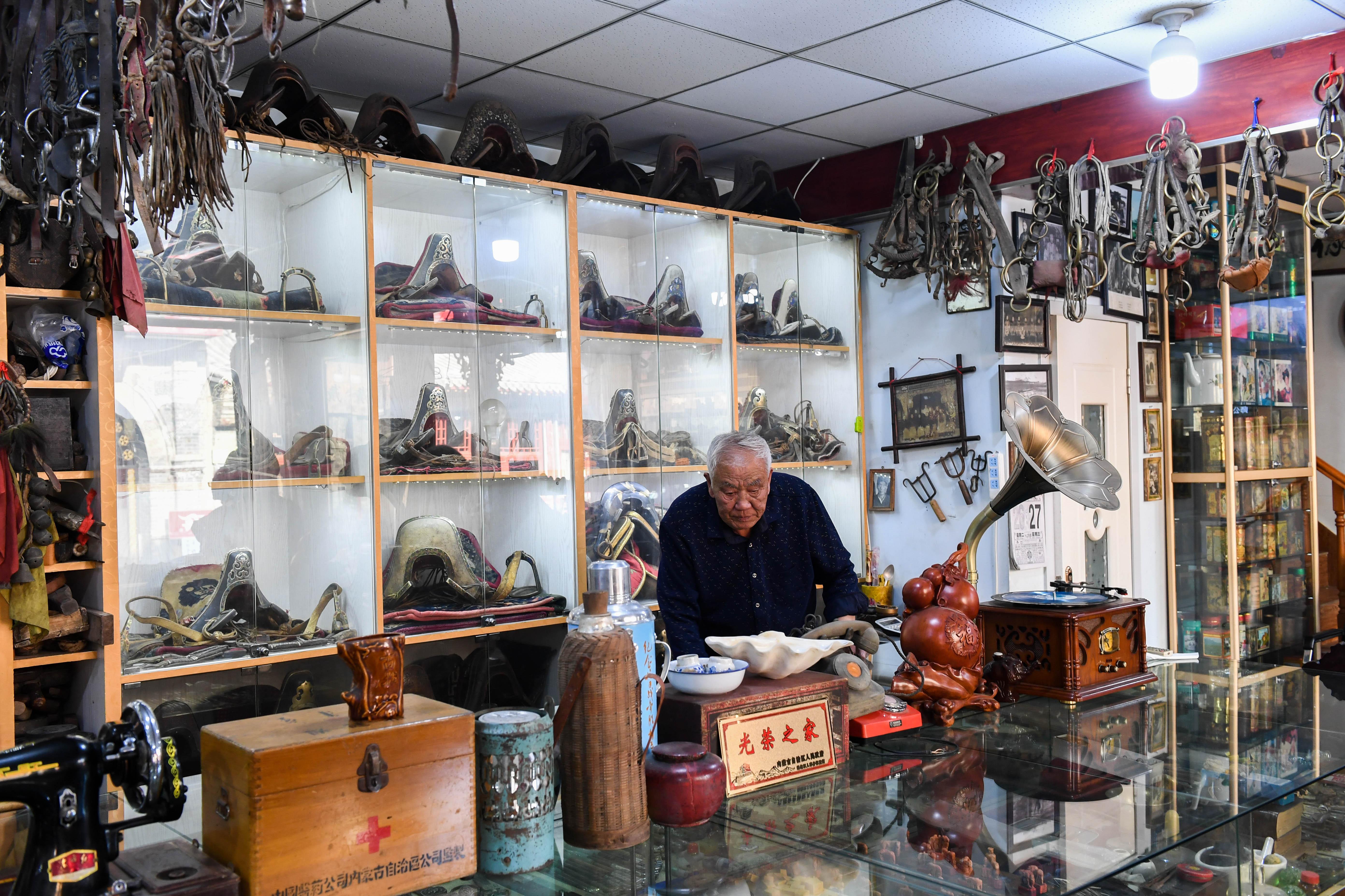 モンゴル族の民具を1000点以上 70代男性が私設博物館を開設