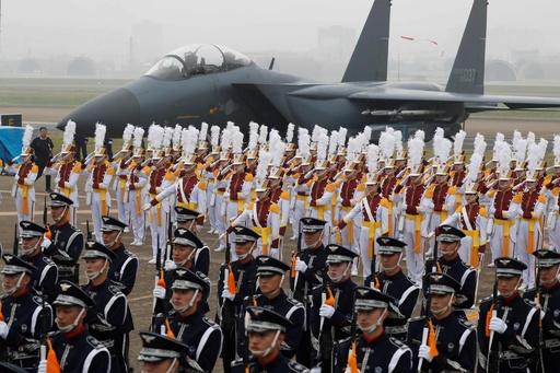 韓国「国軍の日」式典 文大統領も出席
