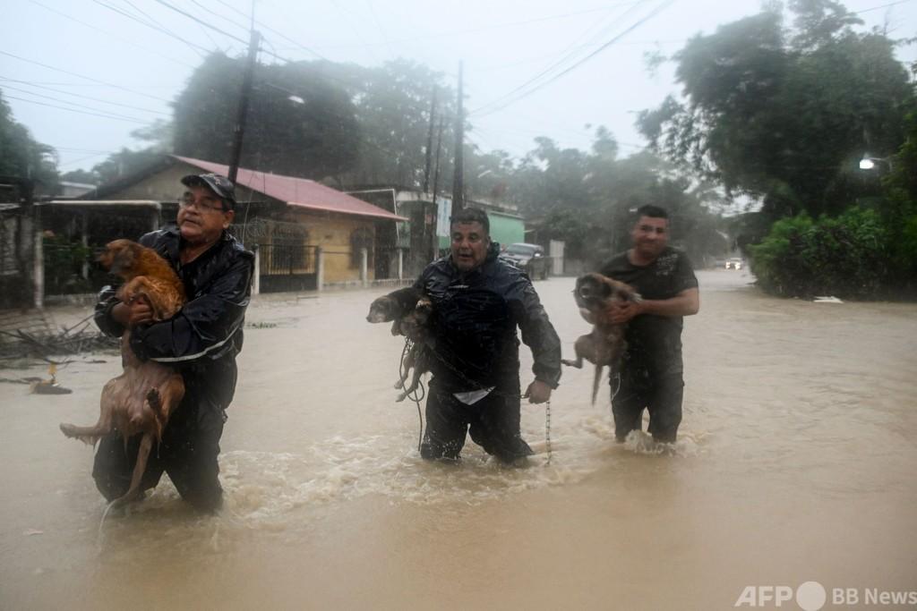 グアテマラ、ハリケーンで150人死亡・不明 土砂災害相次ぐ