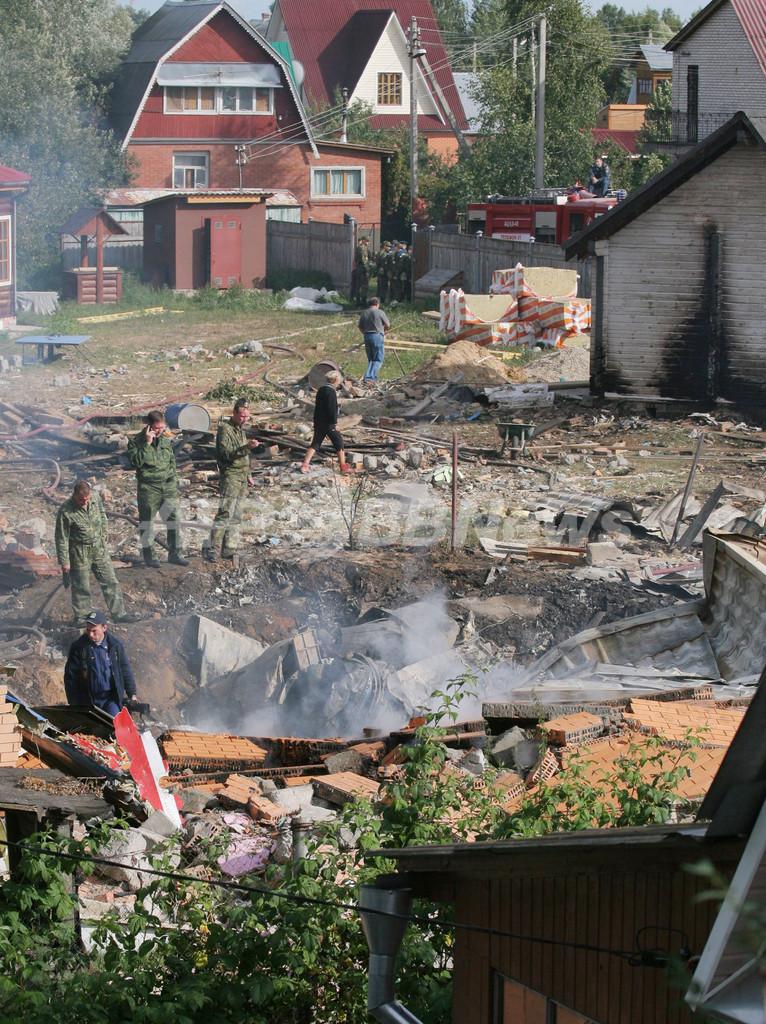 ロシア軍のアクロバット戦闘機が墜落、航空ショーのリハーサル中