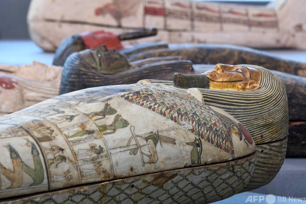 100基超える古代のひつぎ発掘、エジプト・サッカラ遺跡