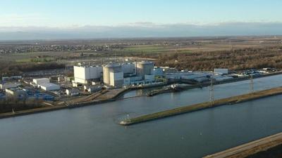 動画:フランス最古の原子炉、廃炉作業開始 原発依存は変わらず