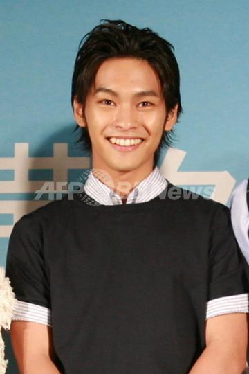 柳楽優弥、『包帯クラブ』完成披露会見、試写会に参加