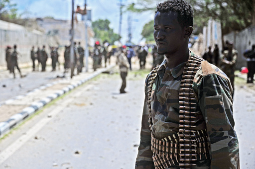 ソマリア南部でホテル襲撃、政治家ら7人死亡 過激派が犯行声明