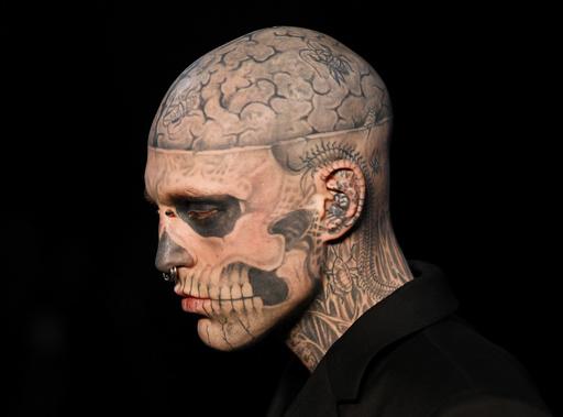 全身タトゥーモデル、ゾンビボーイさんは「事故死」 カナダ検視当局