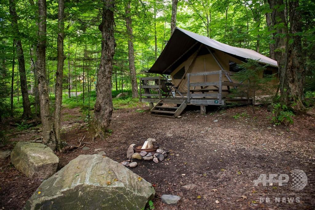 羽毛ベッドにミニ冷蔵庫、北米の大自然の中で楽しむフランス流グランピング