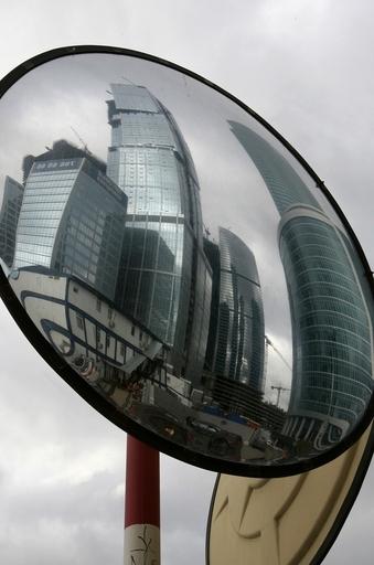 欧州一の「ロシア・タワー」建設が頓挫、金融危機で駐車場に