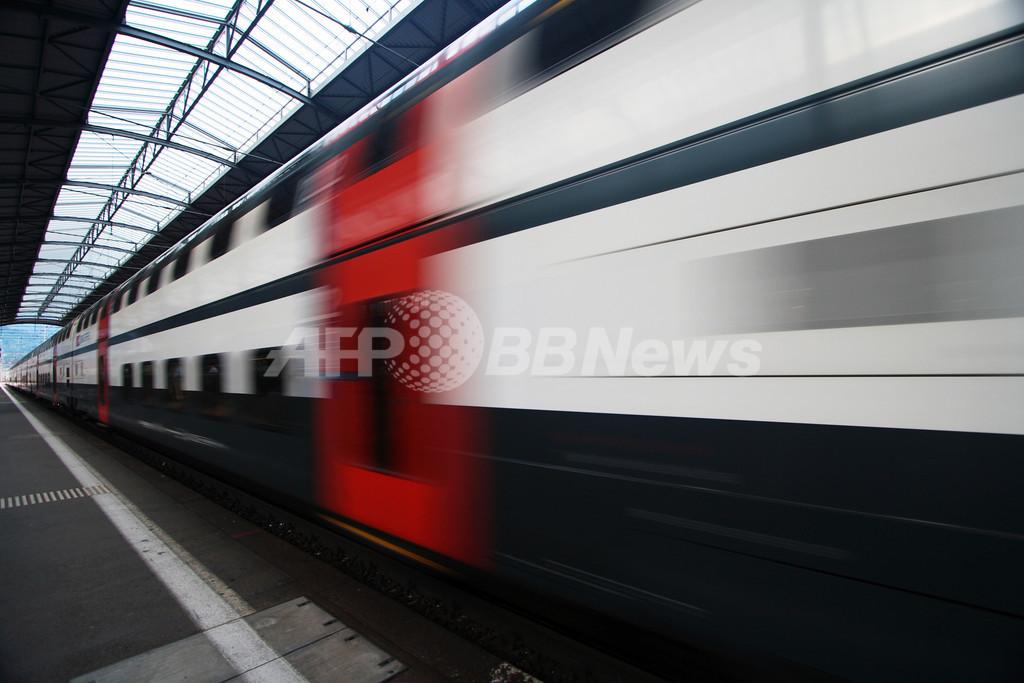 英鉄道、全路線の単一パス目指し試験運用