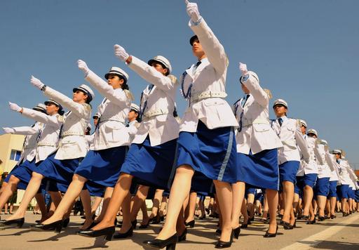 犯罪は許さない、新米女性警官らがスキルを披露 アルジェリア