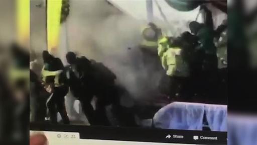 動画:ジンバブエの与党集会で爆発 15人負傷 大統領暗殺未遂か
