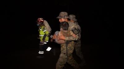 動画:グアテマラ・フエゴ山噴火による死者62人に 170万人に影響