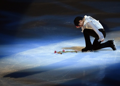 羽生がエキシビションに登場、NHK杯
