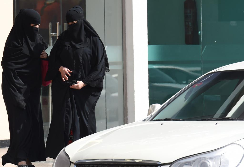 サウジ、女性の運転解禁へ 歴史的決定、2018年6月から