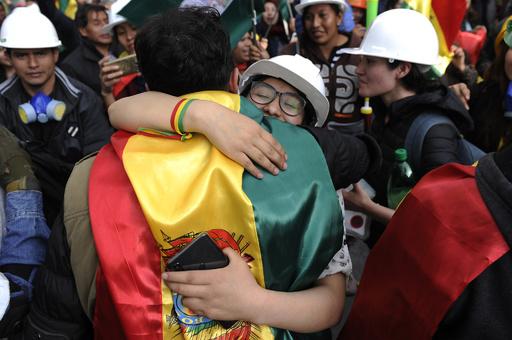 ボリビアのモラレス大統領、辞意表明 軍と警察の要求受け
