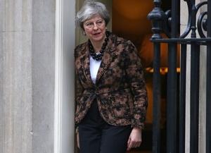 英首相、EUとの再協議約束 離脱案の維持努める