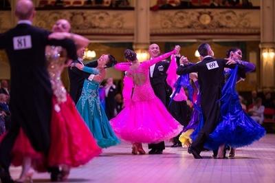 ダンス競技会、華麗に開幕 英ブラックプール