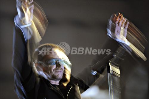 U2、ベルリンで「壁崩壊20年周年記念」の野外無料ライブ
